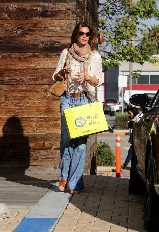 CINDY CRAWFORD Out Shopping in Malibu 2302