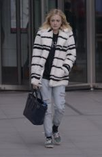 FEARNE COTTON Out and About in London 0602