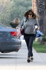 JENNIFER GARNER Out and About in Los Angeles 0302