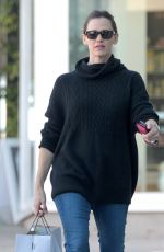 JENNIFER GARNER Out Shopping in Brentwood 2402