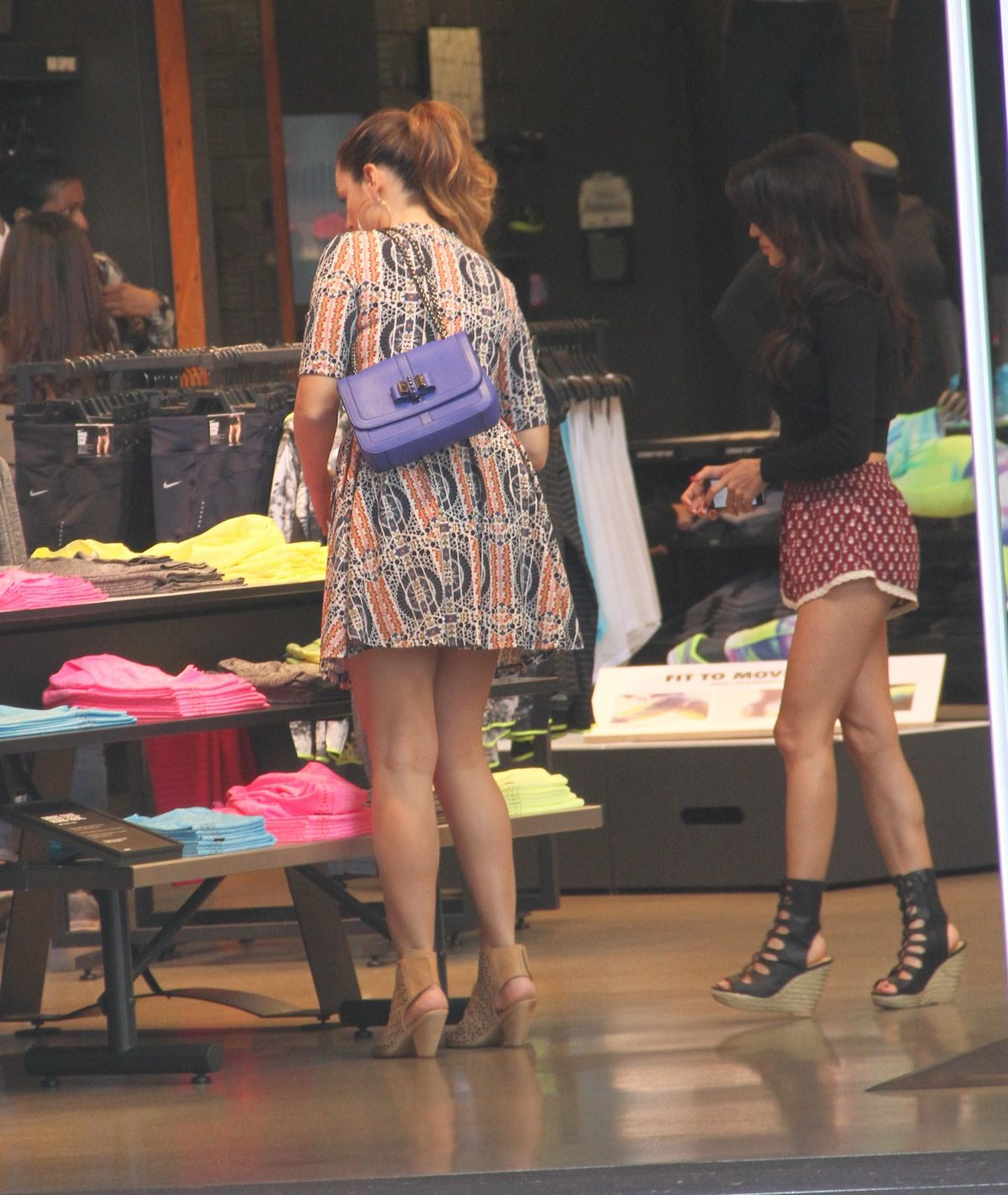 Feet Natalie Loren naked (98 photo), Pussy, Hot, Selfie, lingerie 2006