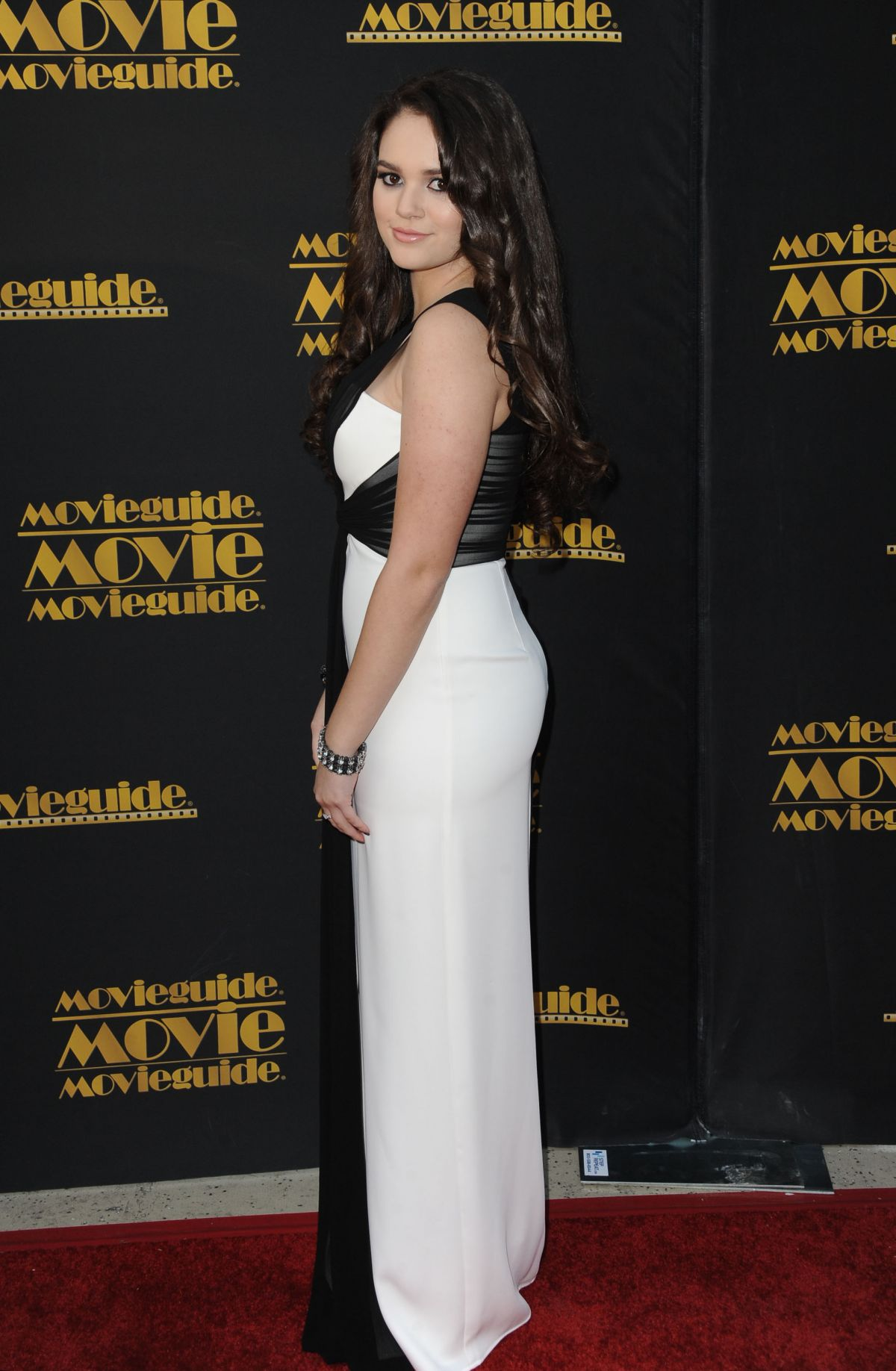 c701e89ac03 madison-pettis-at-2015-movieguide-awards-in-universal-city 6.jpg (1200×1836)