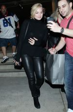 MARGOT ROBBIE Arrives at LAX Airport in Los Angeles 0902