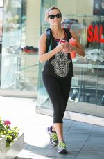 REESE WITHERSPOON Heading to a Gym in Brentwood 1502