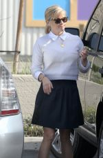 REESE WITHERSPOON Out and About in Brentwood 0402