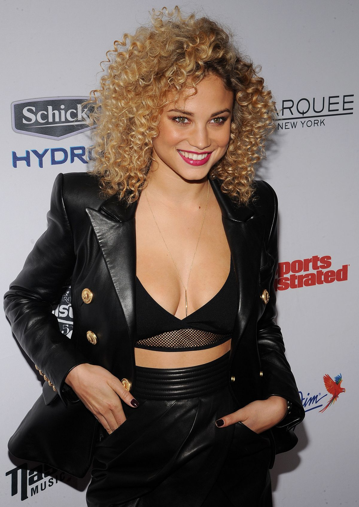Paparazzi Rose Bertram naked (95 foto and video), Topless, Sideboobs, Twitter, butt 2019