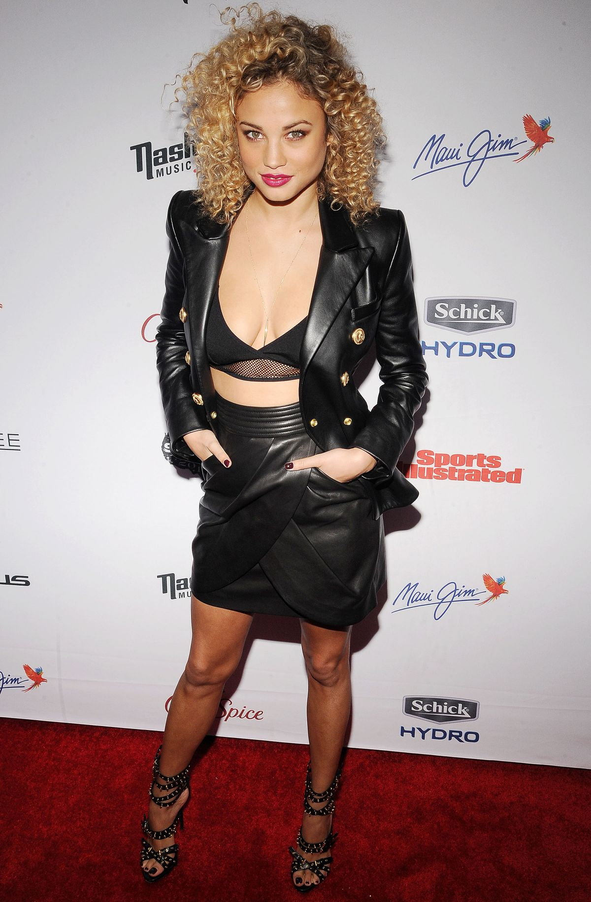 Paparazzi Rose Bertram naked (35 foto and video), Pussy, Is a cute, Feet, legs 2020