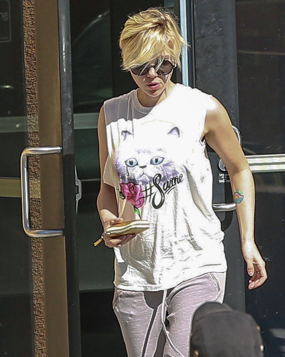 SCARLETT JOHANSSON Out and About in Los Angeles 1402