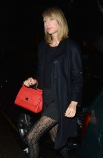 TAYLOR SWIFT Arrives at Claridges Hotel in London