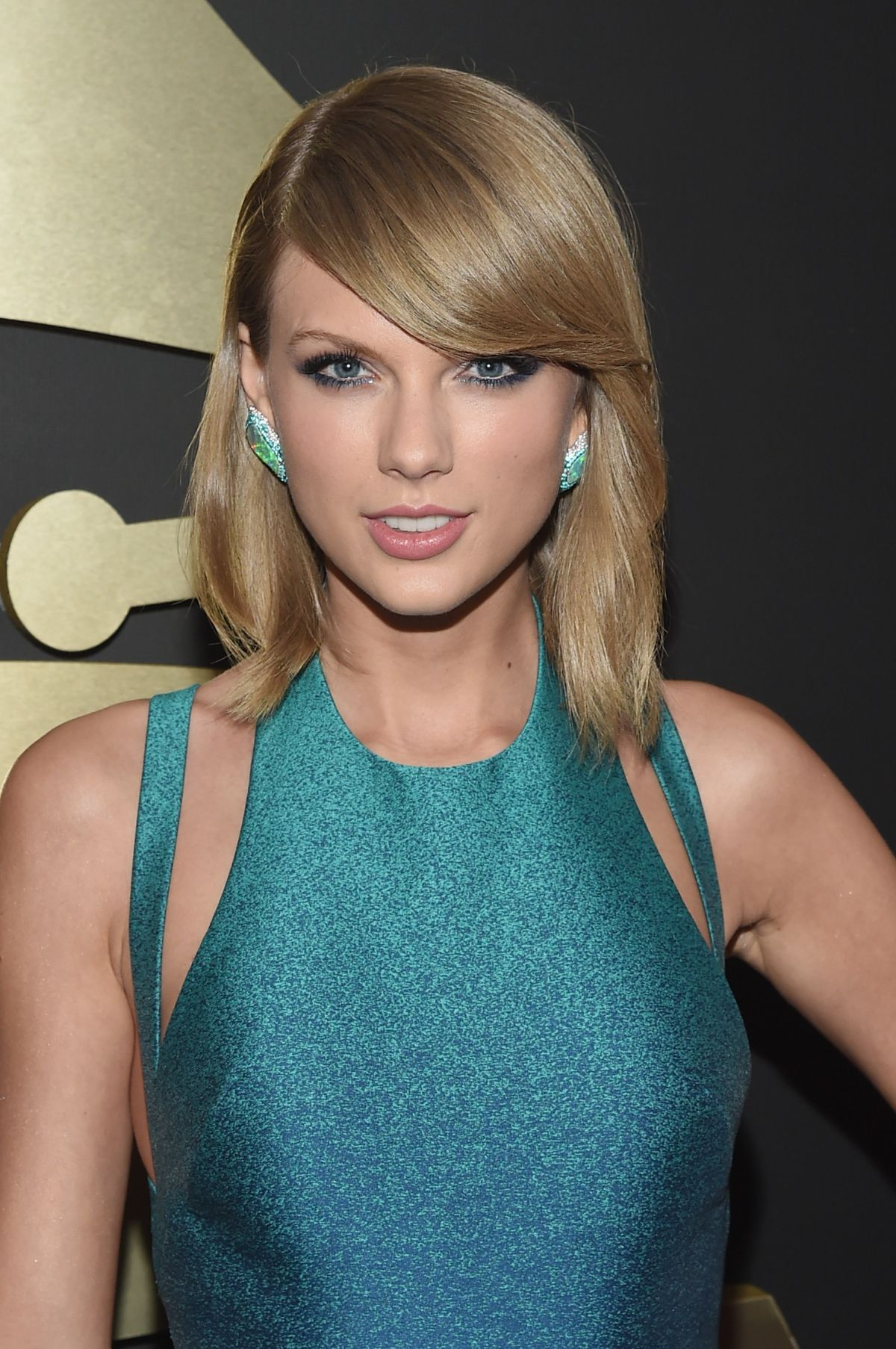 TAYLOR SWIFT at 2015 Grammy Awards in Los Angeles - HawtCelebs
