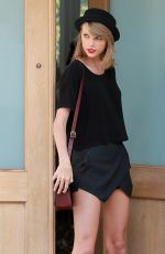 TAYLOR SWIFT Out and About in Los Angeles 0402