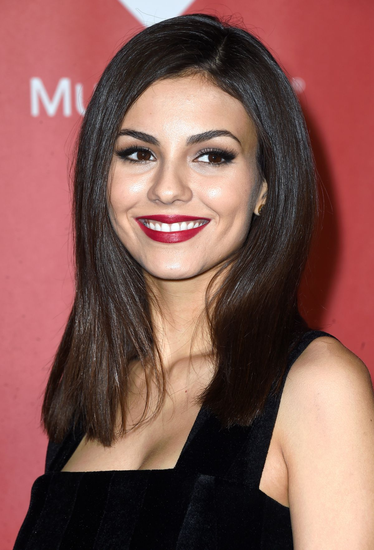 VICTORIA JUSTICE At 2015 Musicares Person Of The Year Gala
