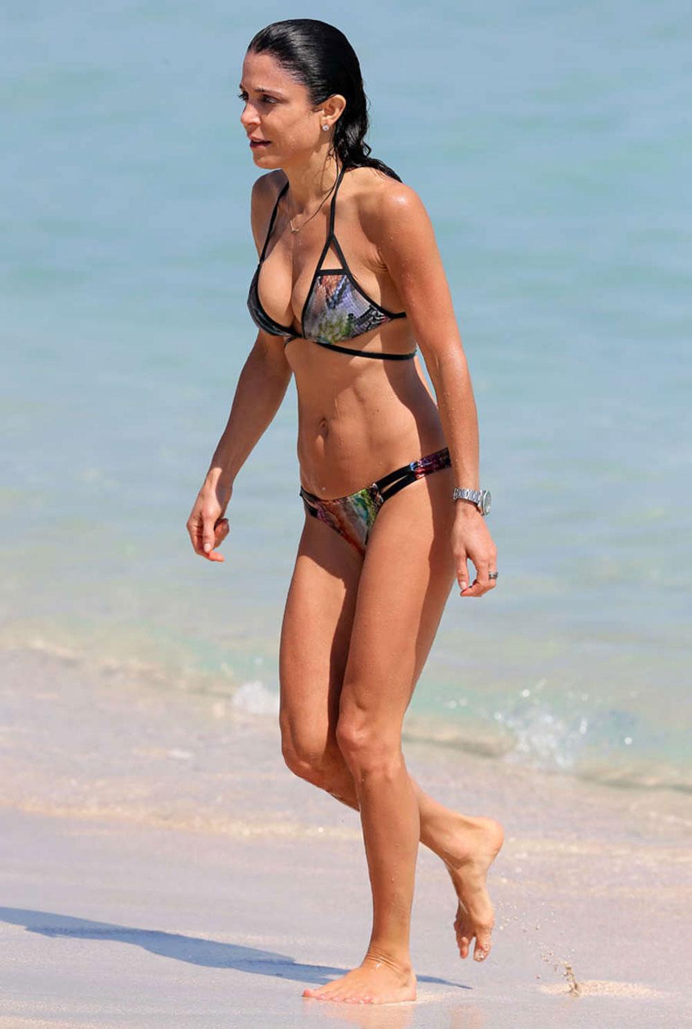 Bethenny Frankel in Bikini on the beach in Miami 2 Pic 2 of 35
