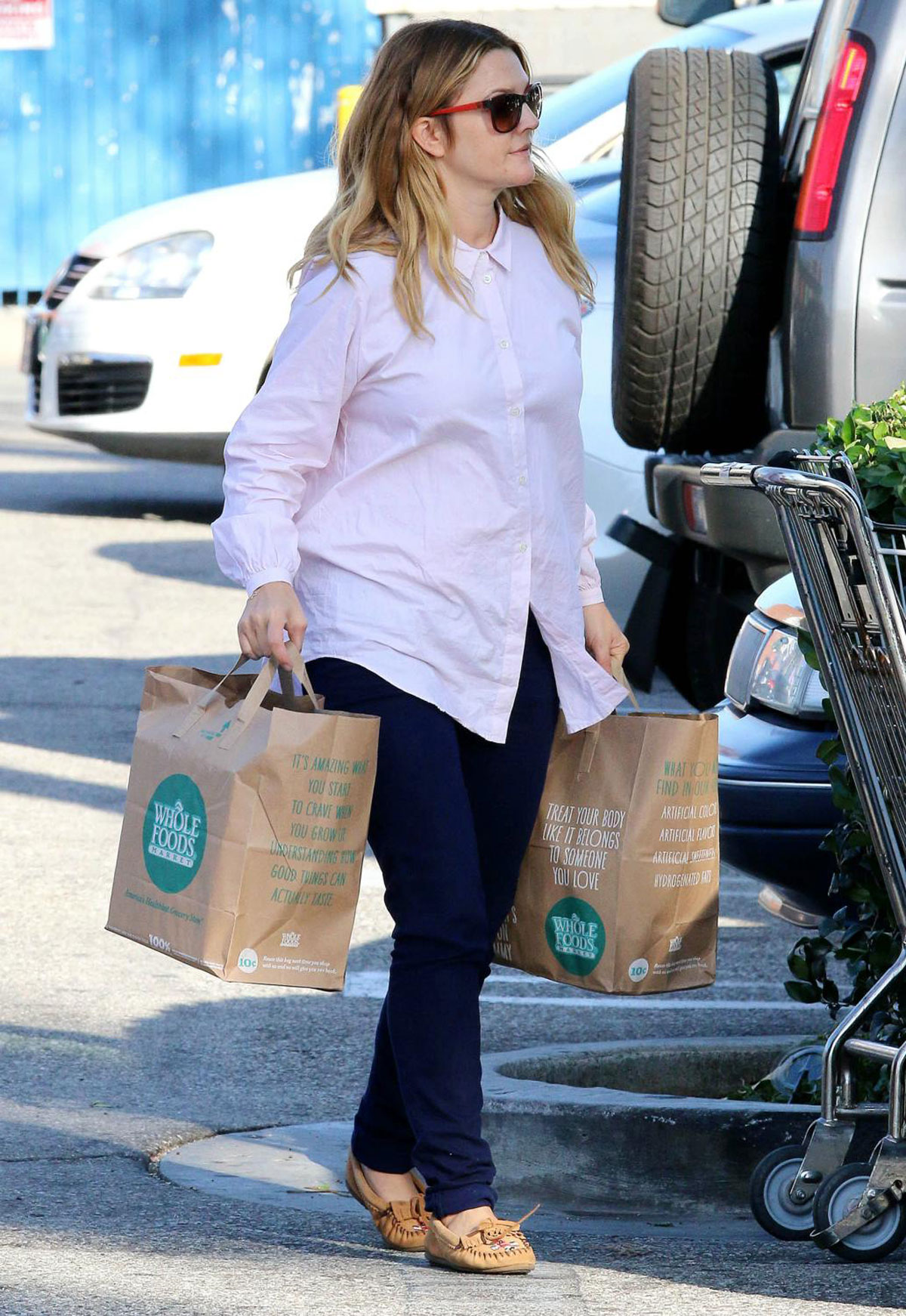drew barrymore shopping for grocery in los angeles