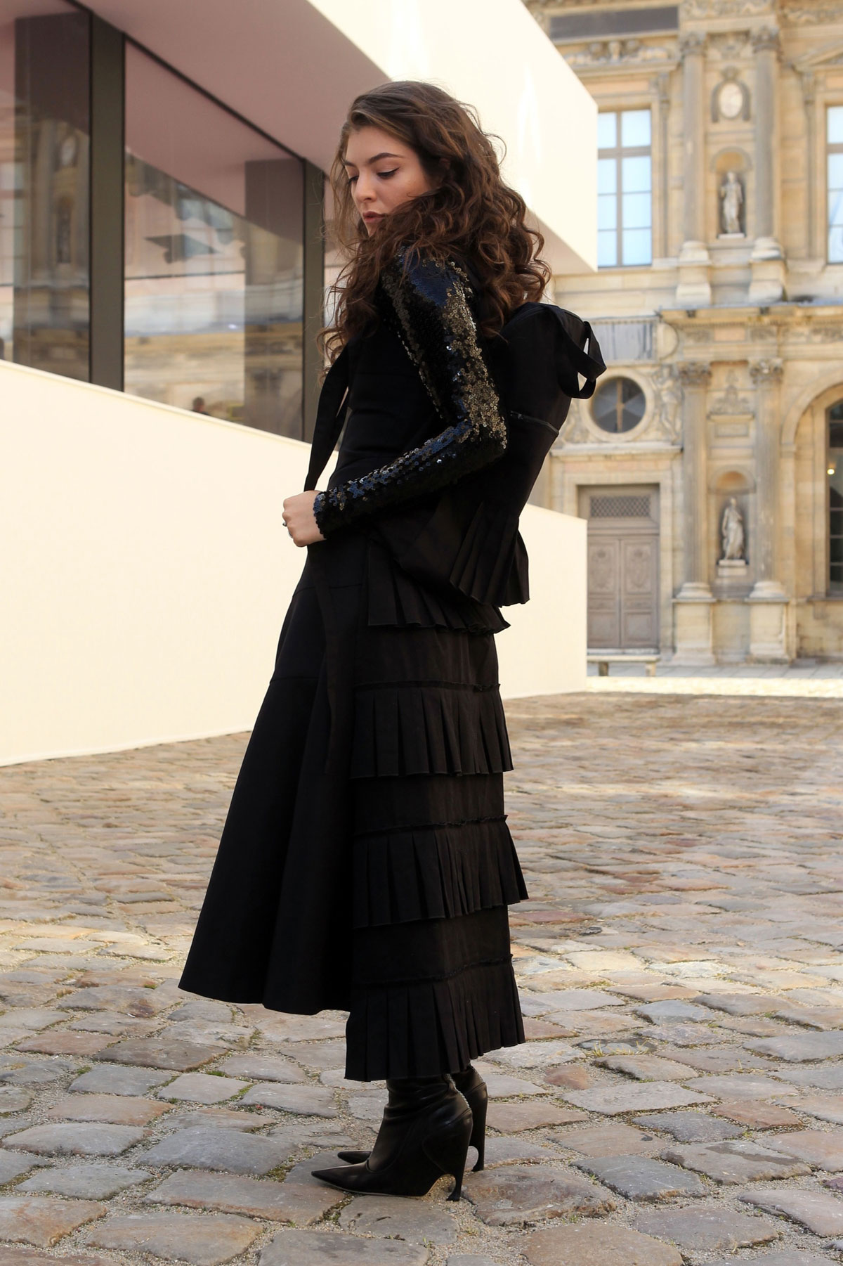 LORDE at Christian Dior Fashion Show in Paris - HawtCelebs