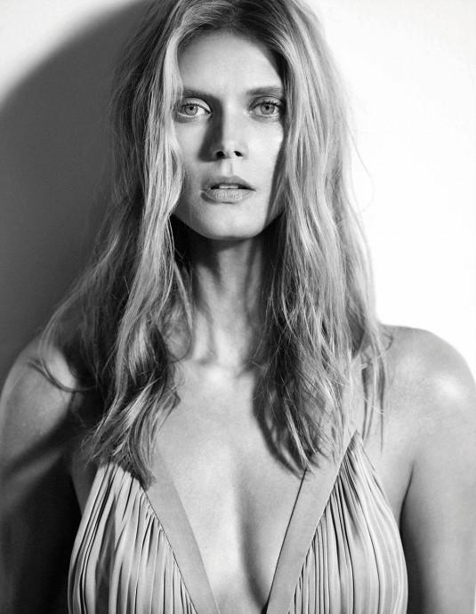MALGOSIA BELA in Madame Figaro Magazine