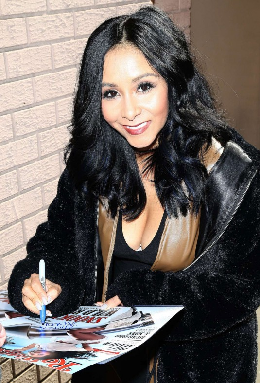 NICOLE SNOOKI POLIZZI Arrives at The View