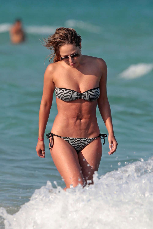 Vanessa In A Bikini 32