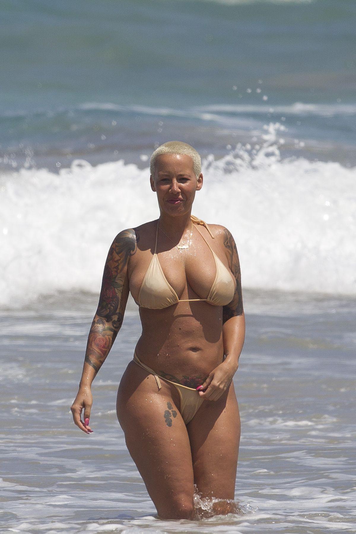 dare nudist webcam