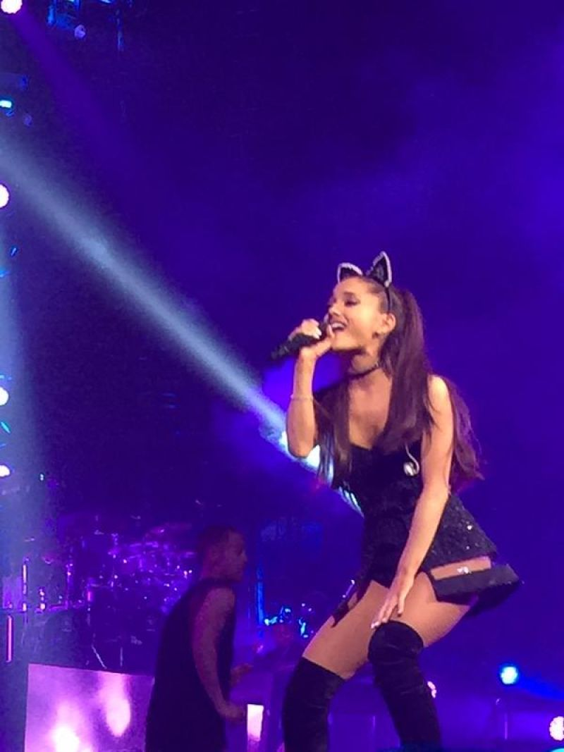 Ariana grande tour dates