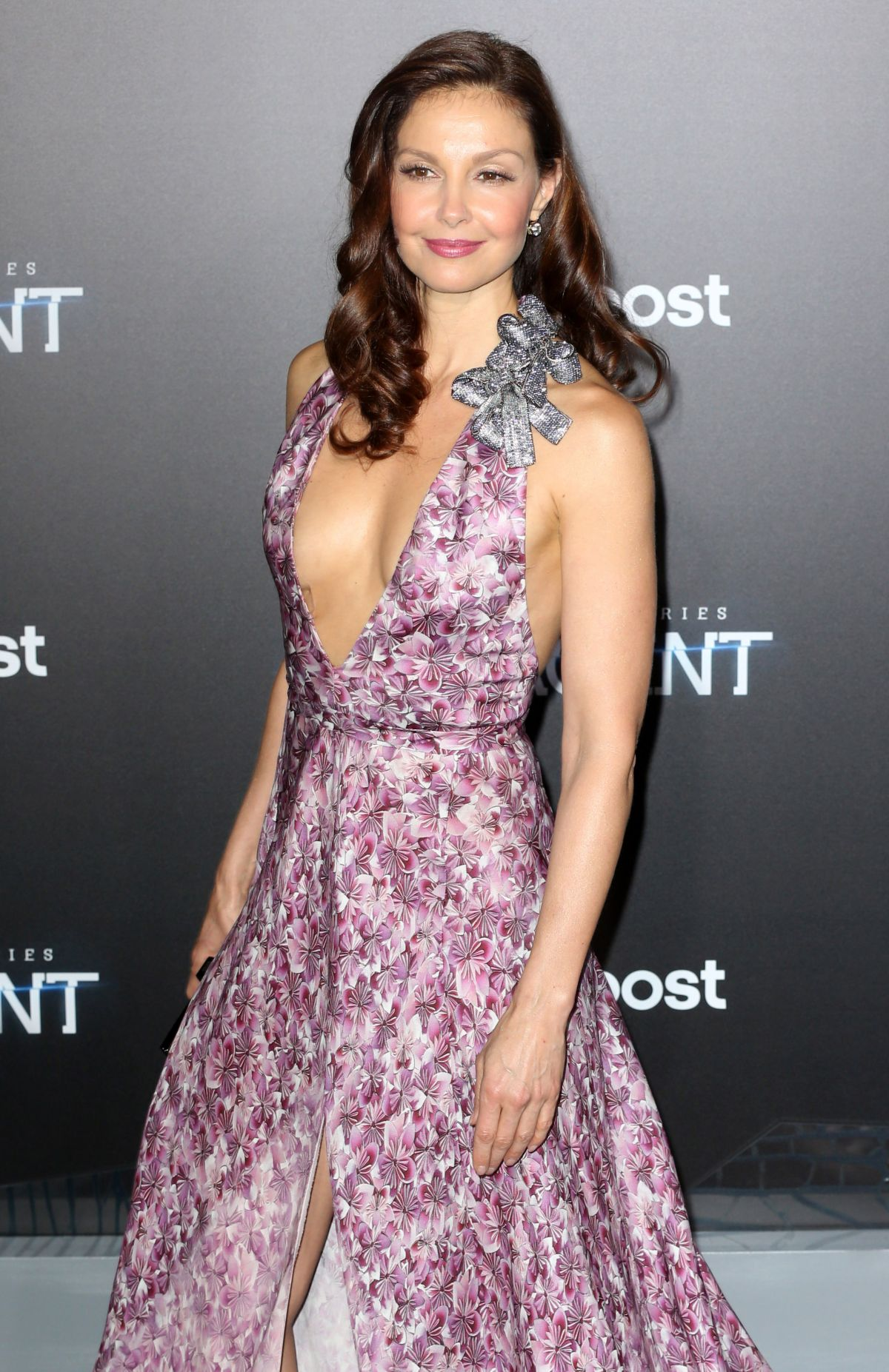 ASHLEY JUDD at Insurgent premiere in New York - HawtCelebs