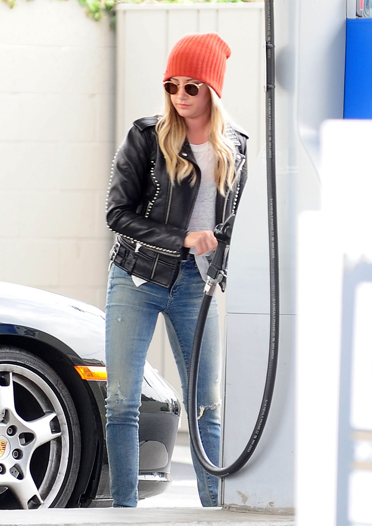 ASHLEY TISDALE at a Gas Station in Toluca Lake 1803