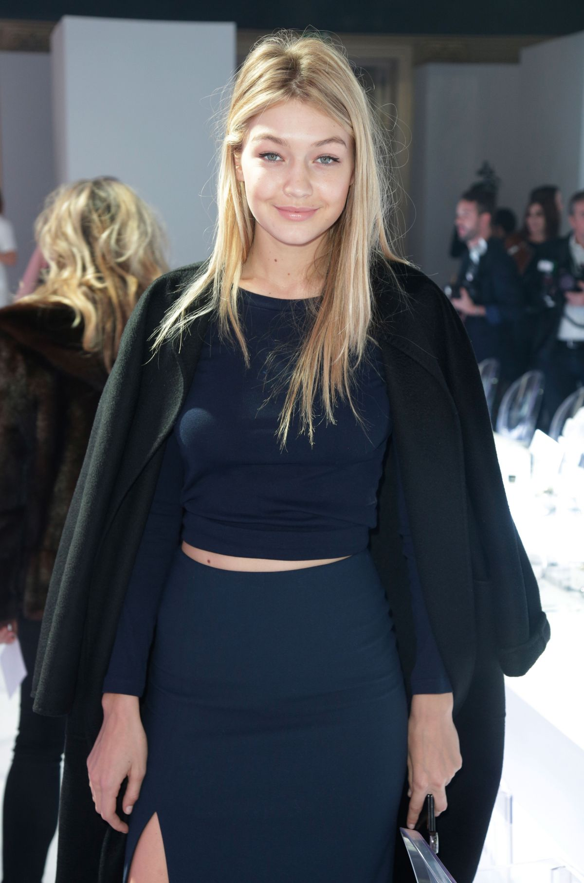 Gigi hadid at paris fashion week tasting night hawtcelebs for Gigi hadid fashion week