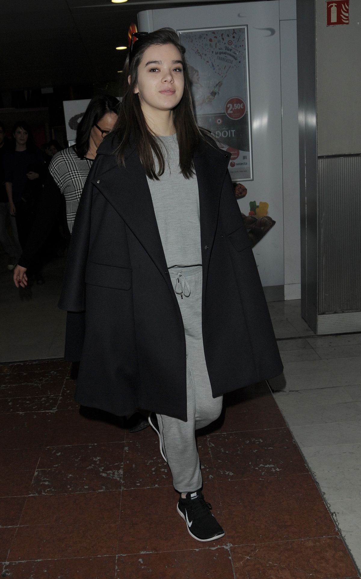 HAILEE STEINFELD at Charles De Gaulle Airport in France