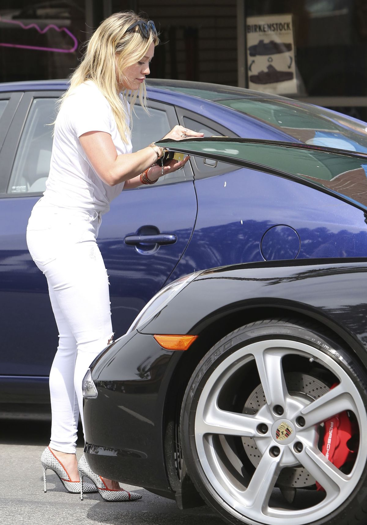 Hilary Duff In White Jeans Out And About In Studio City