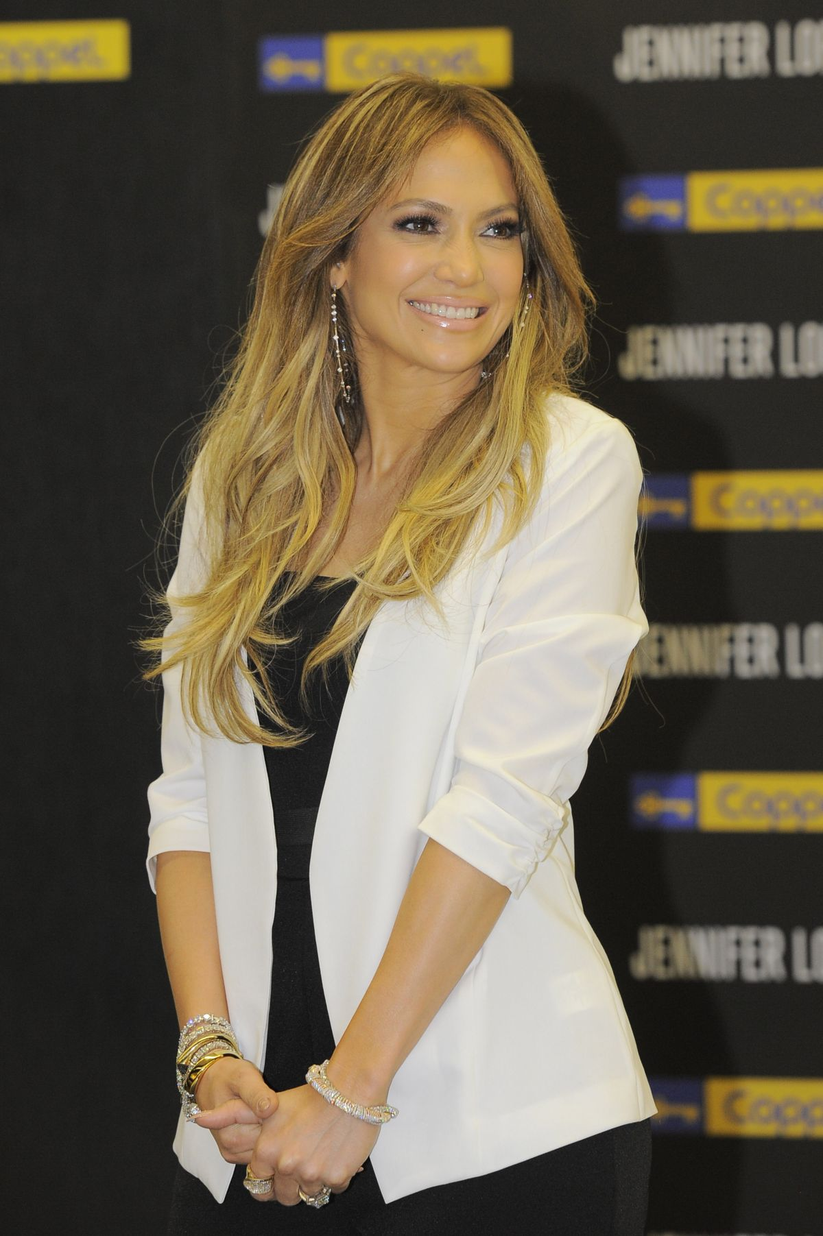 JENNIFER LOPEZ at Coppel Store in Mexico City