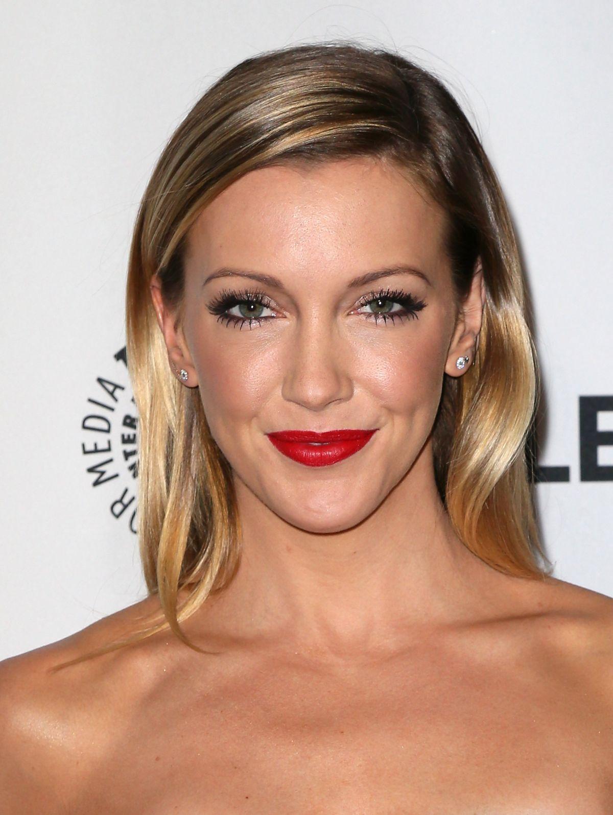 Katie cassidy arrow makeup