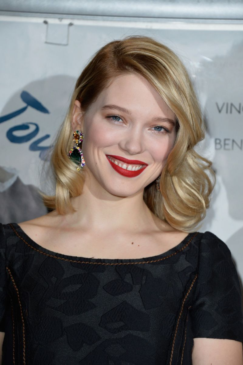 usa fashion music news lea seydoux at journal d une femme de chambre premiere in paris. Black Bedroom Furniture Sets. Home Design Ideas