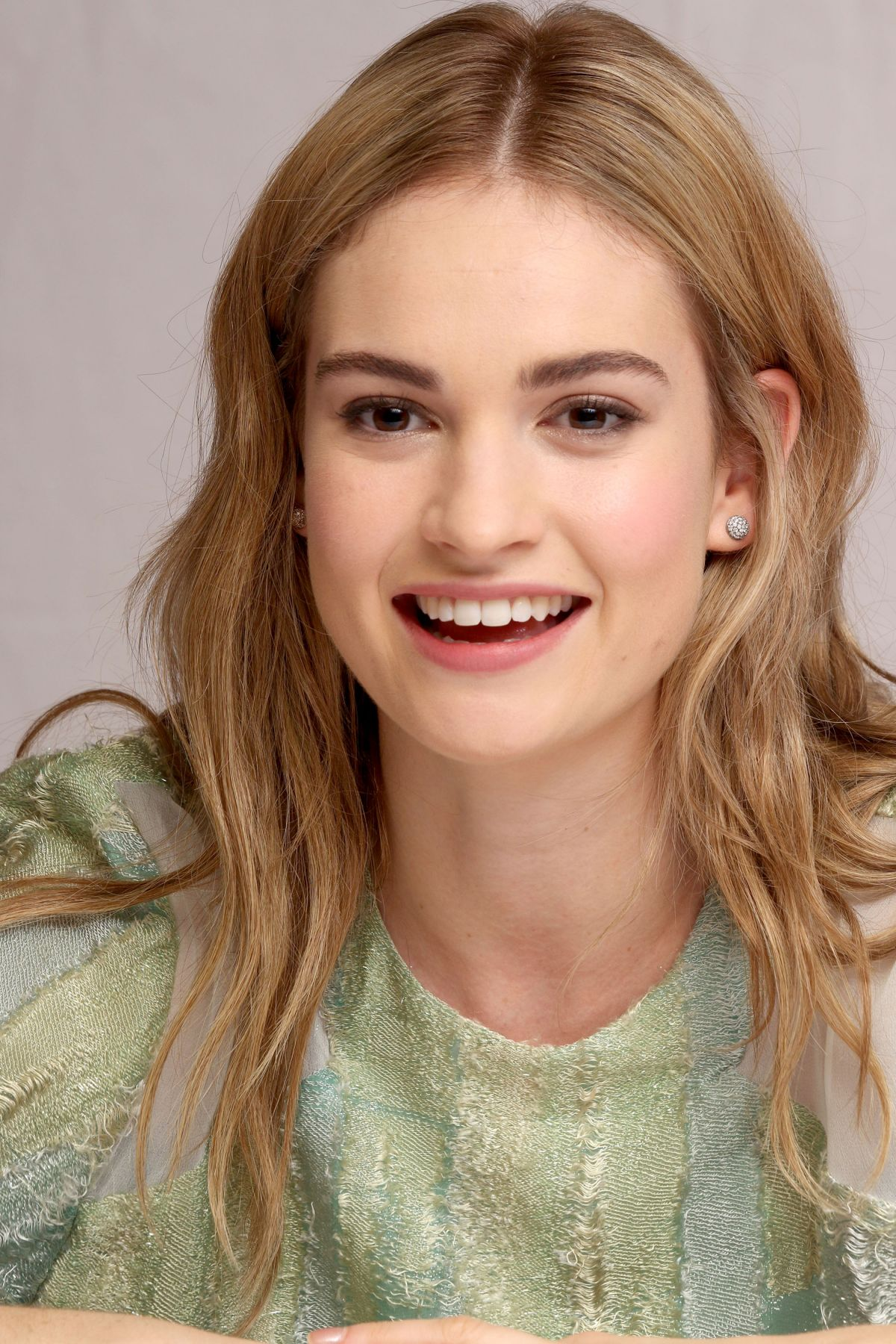 Astrology Birth Chart For Lily James