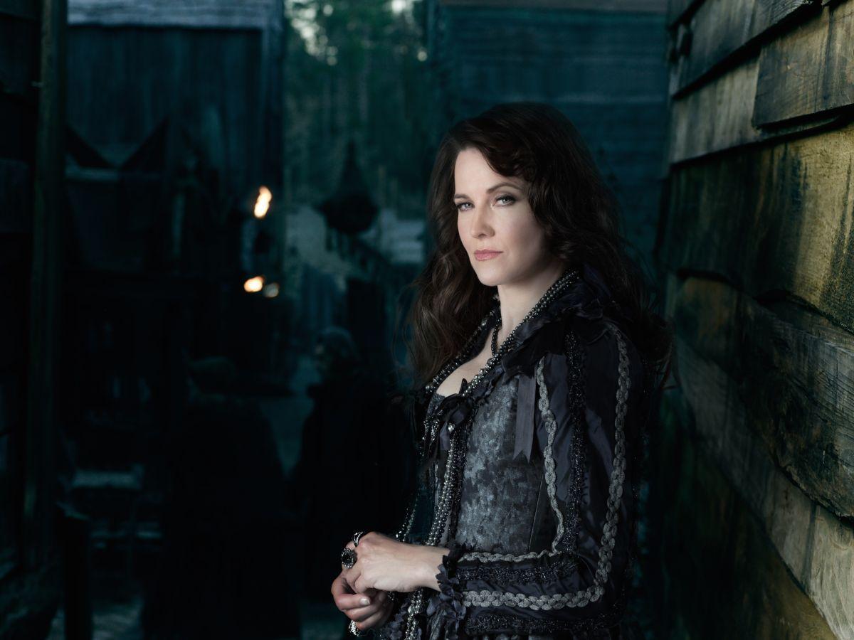 LUCY LAWLESS - Salem Season 2 Promos