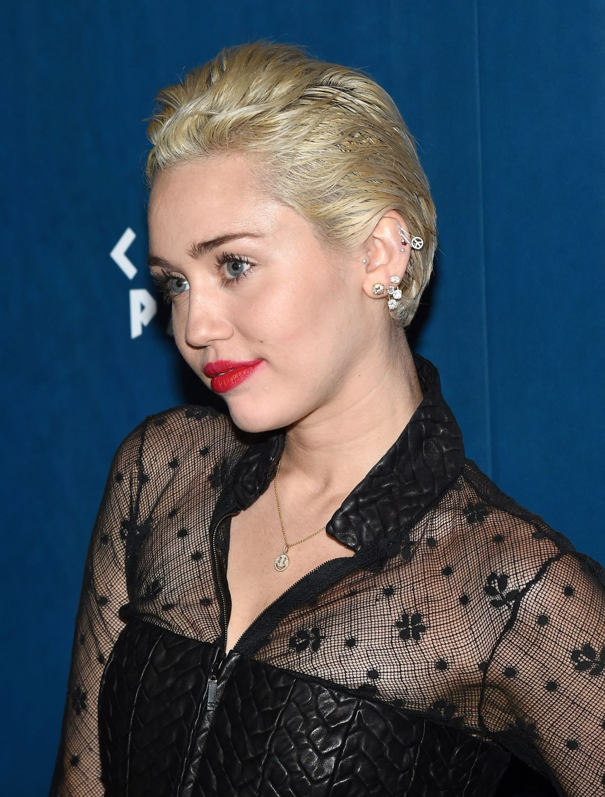 MILEY CYRUS at Omnia Nightclub at Caesars Palace in Las ... Miley Cyrus