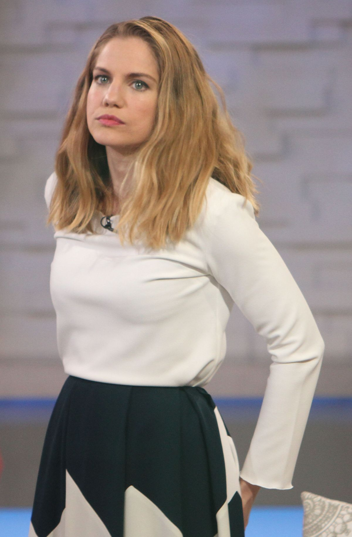 anna chlumsky daughter