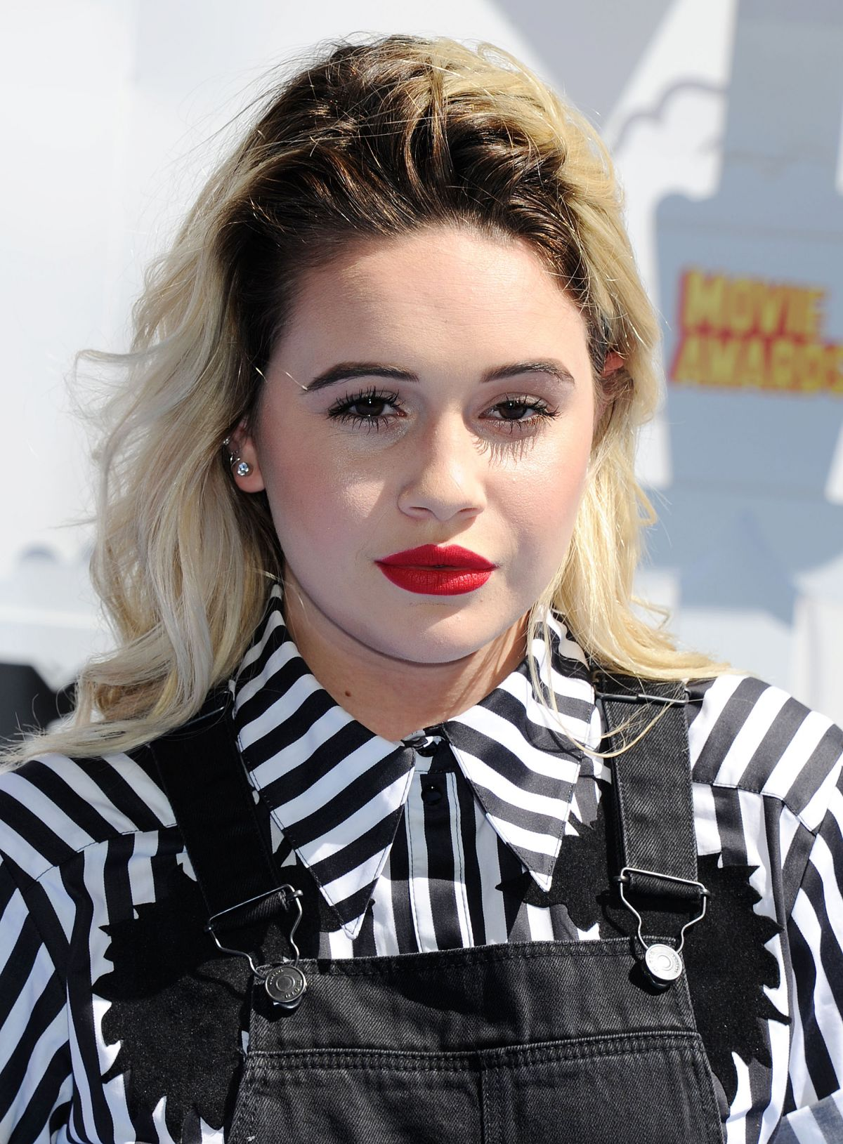 BEATRICE MILLER at 2015 MTV Movie Awards in Los Angeles