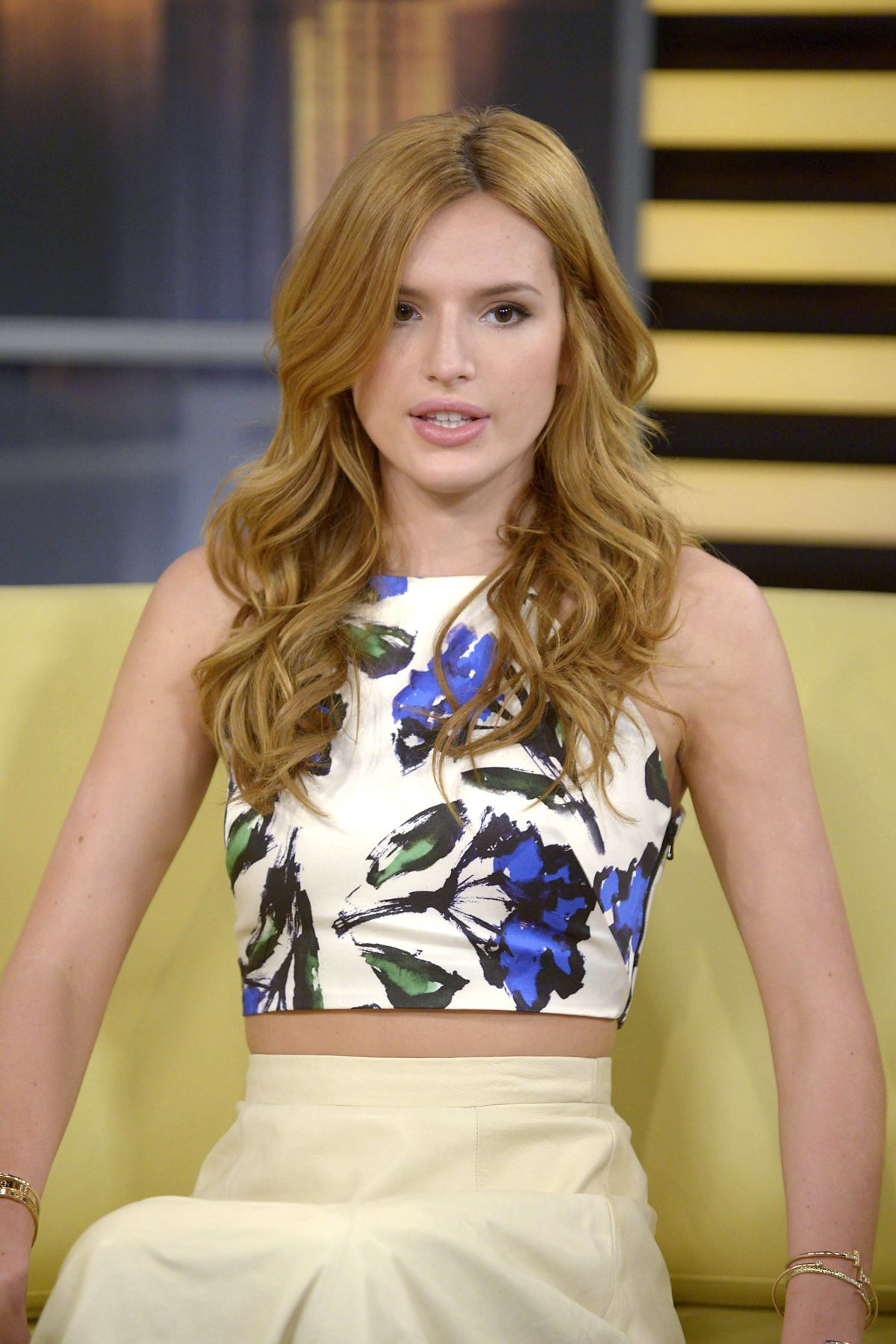 bella-thorne-at-fox-5-good-day-new-york-in-new-york_39