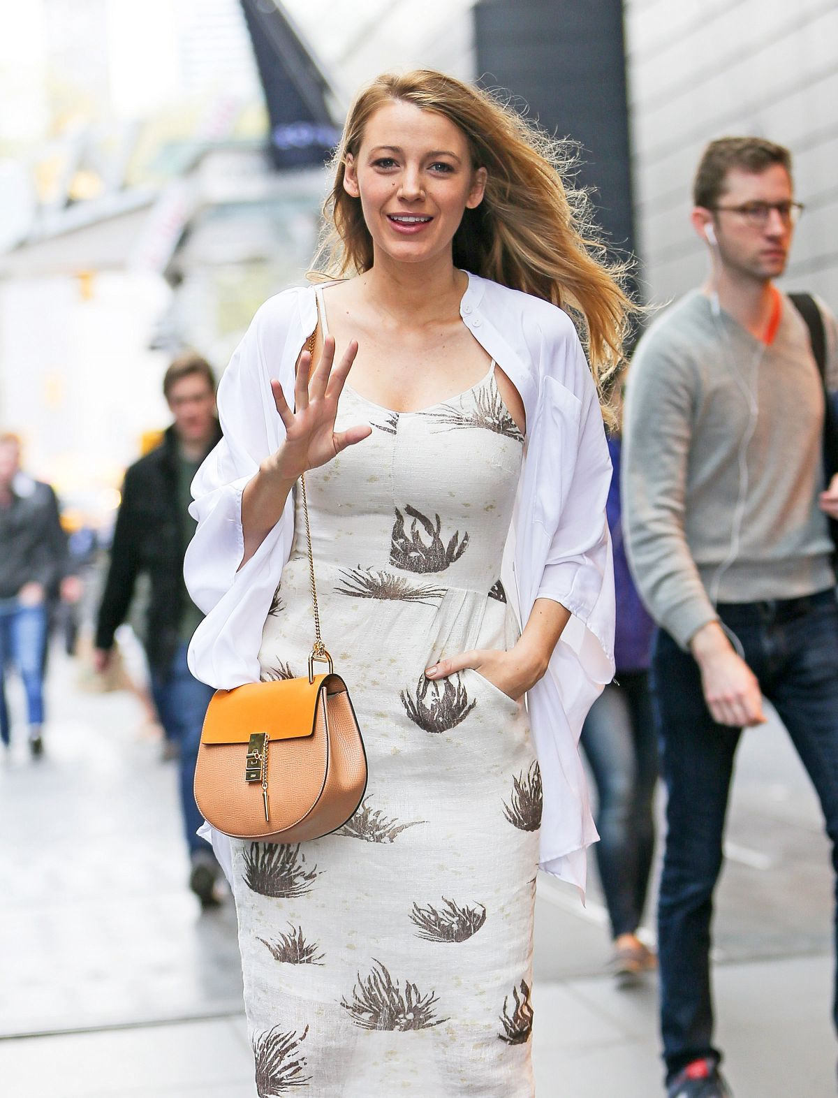 BLAKE LIVELY Leaves Her Hotel in New York 04/23/2015
