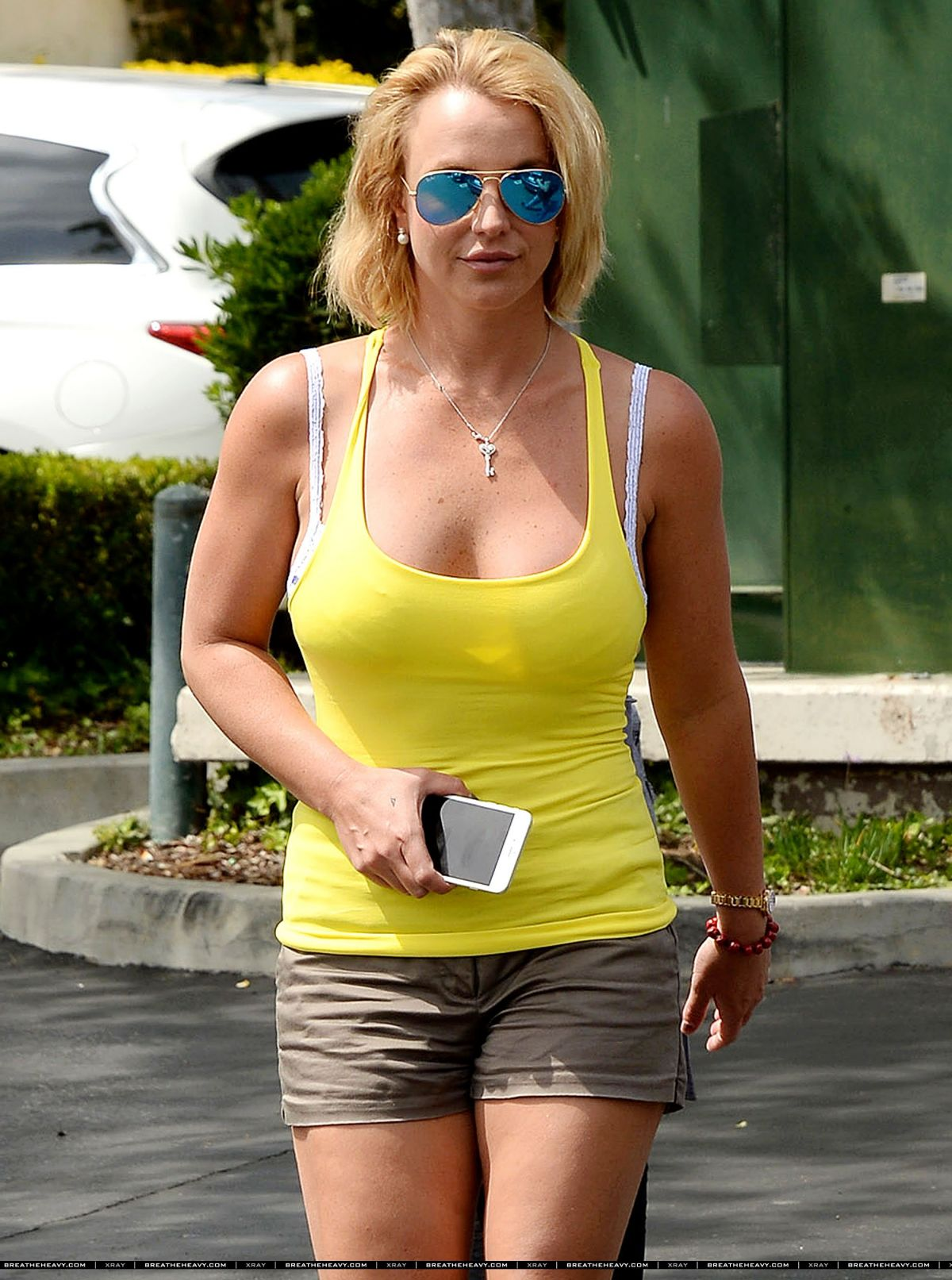 BRITNEY SPEARS Out for Lunch in Agoura Hills