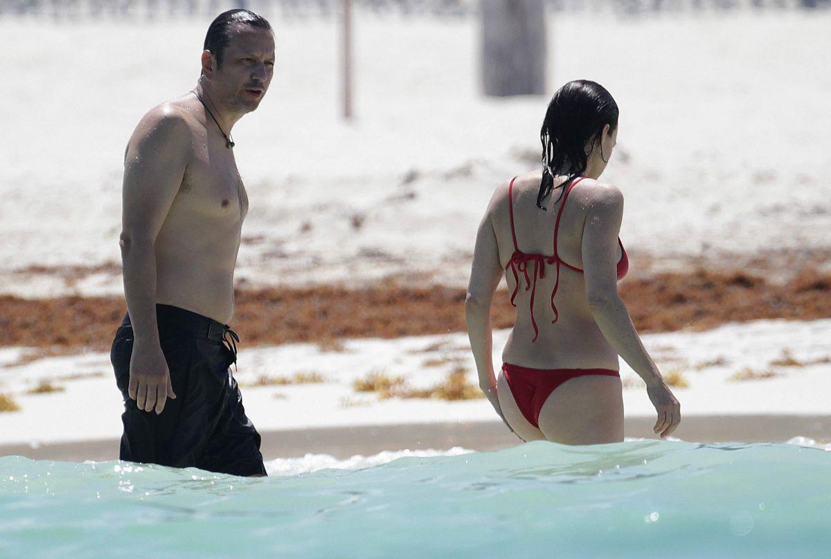 CARLA GUGINO in Bikini...