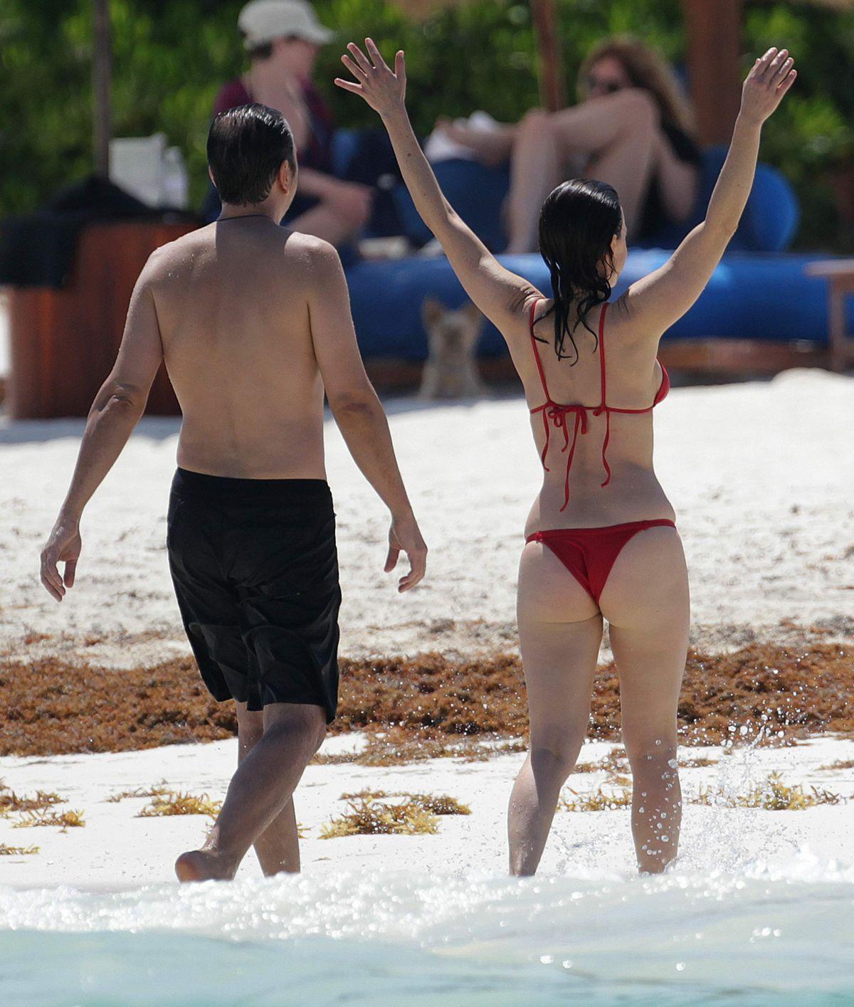Carla Gugino Bikini Beach Cancun Demi Lovato Yoga