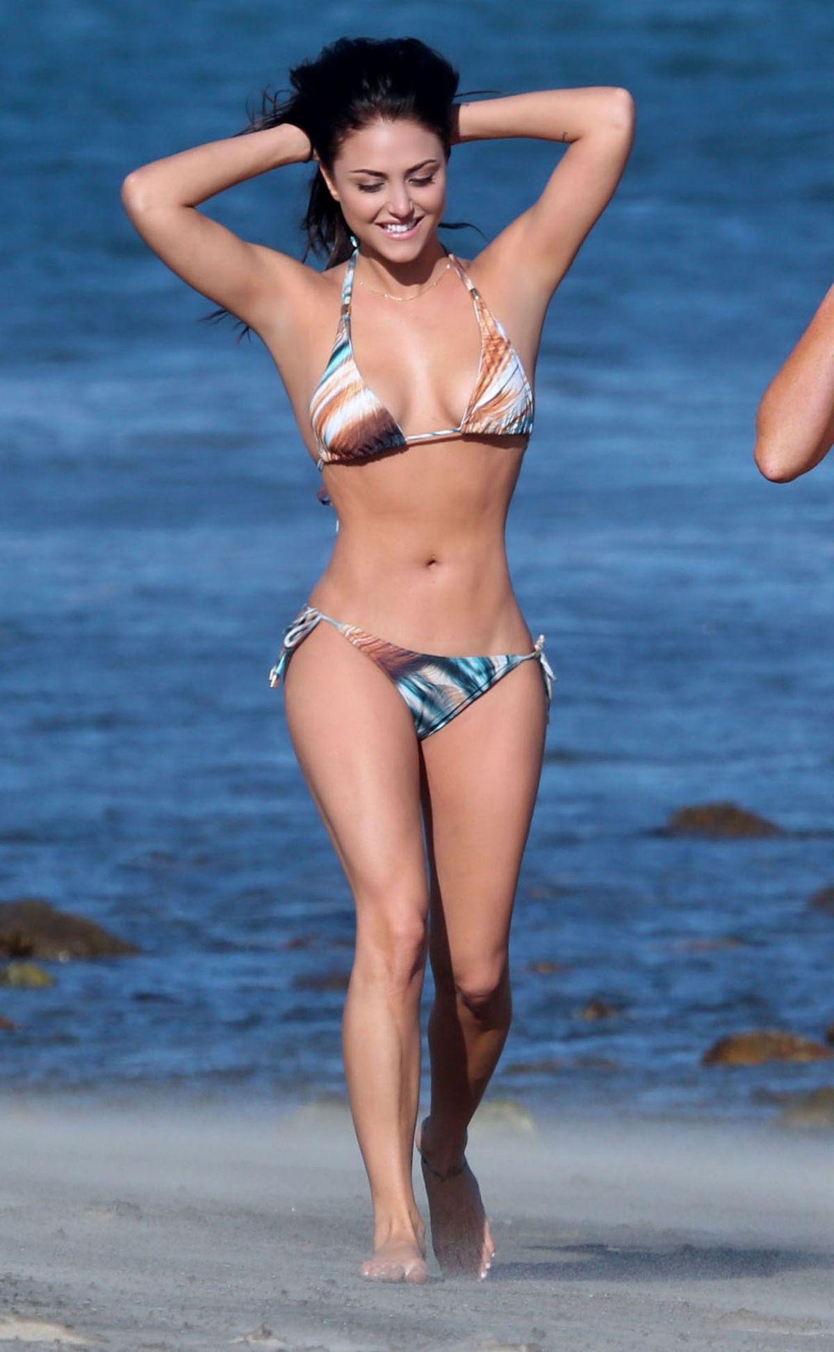 Cassie Bikini Pics 86