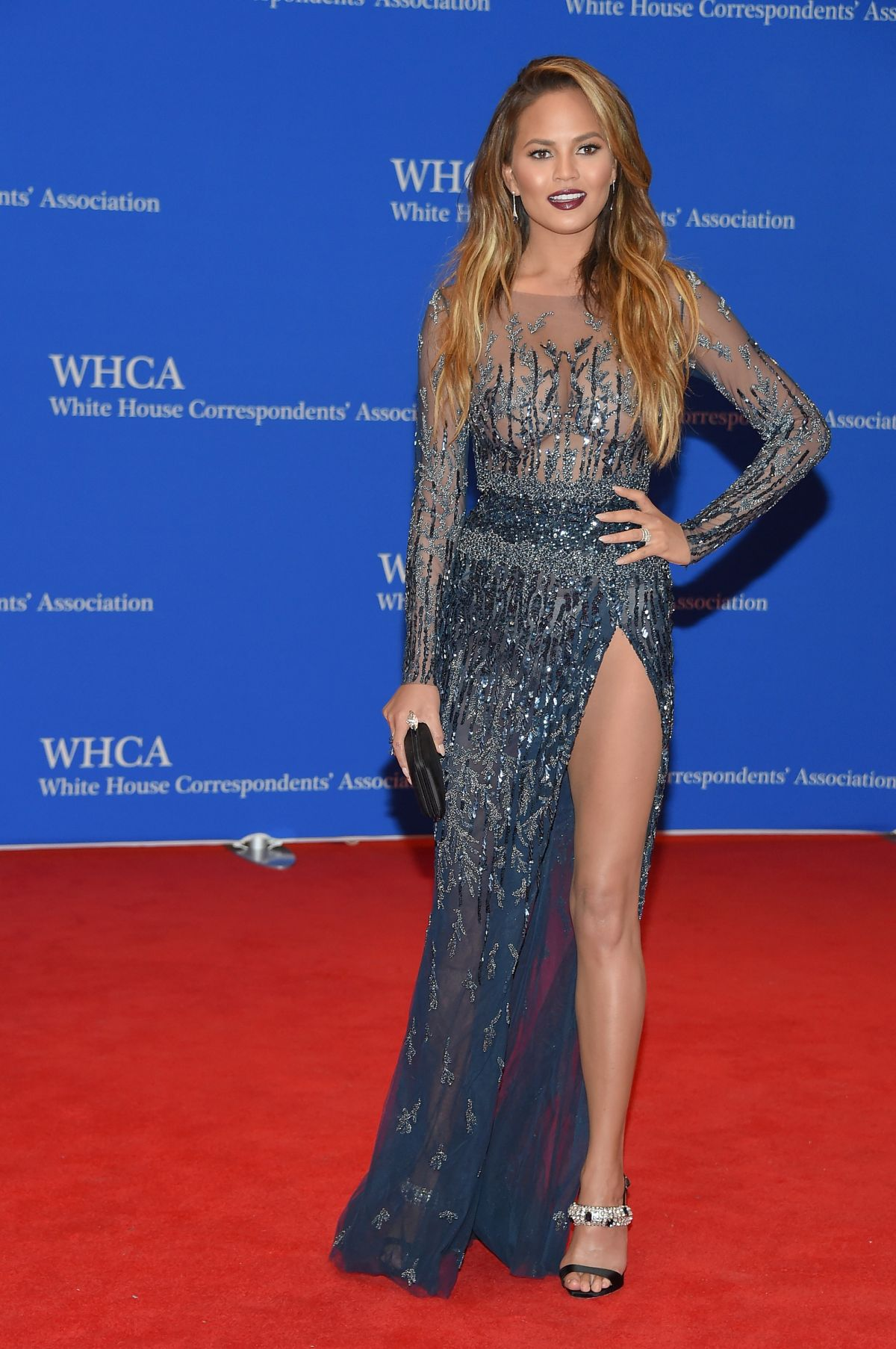 CHRISSY TEIGEN at White House Communications Agency Dinner in Washington