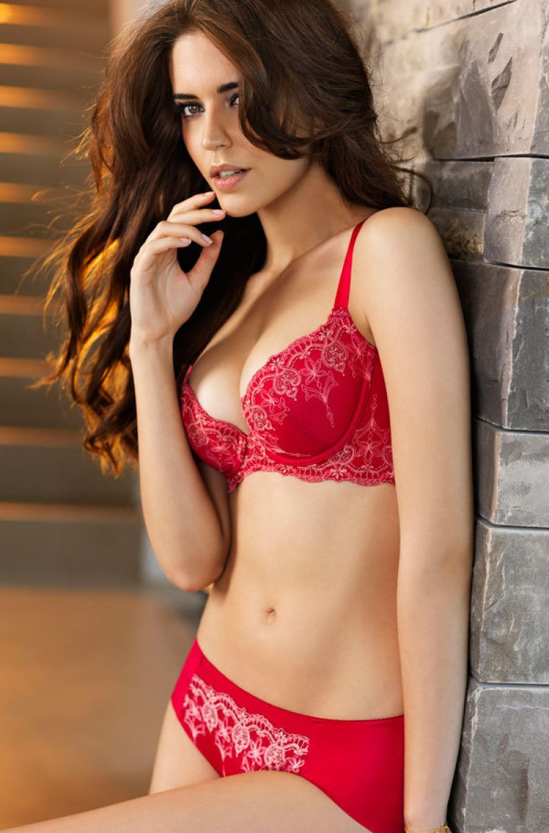 CLARA ALONSO - Triumph Toast to Red Collection