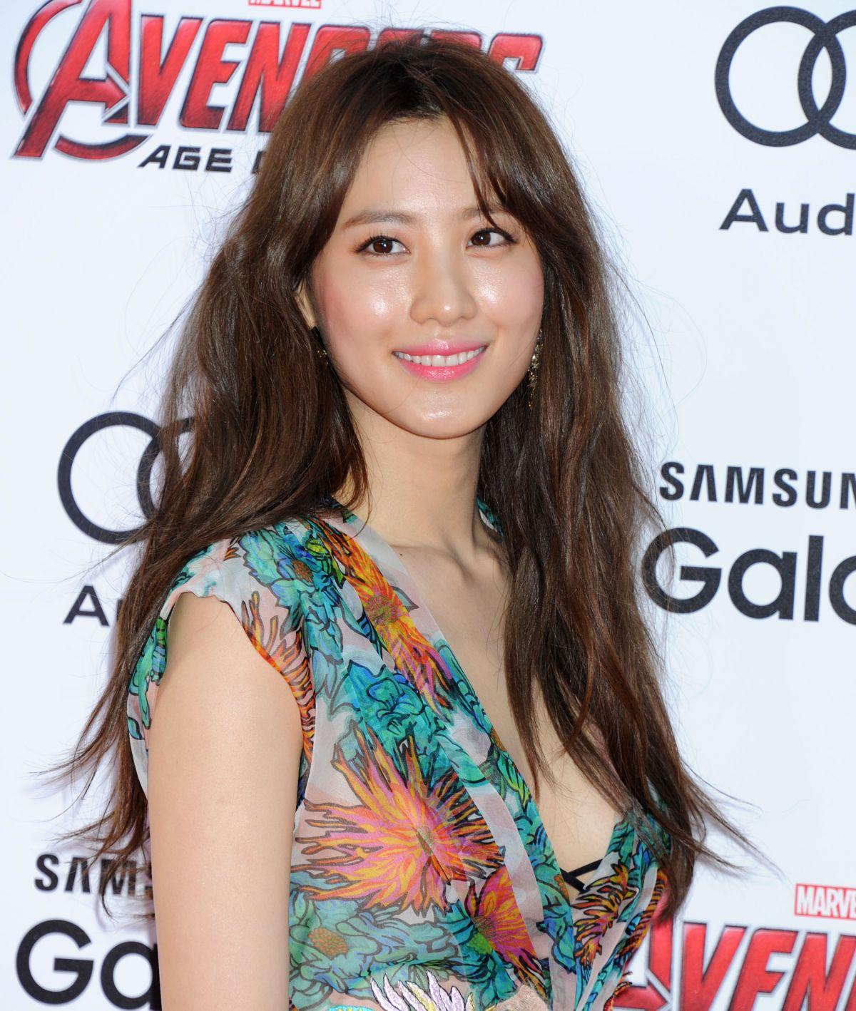 Claudia Kim images