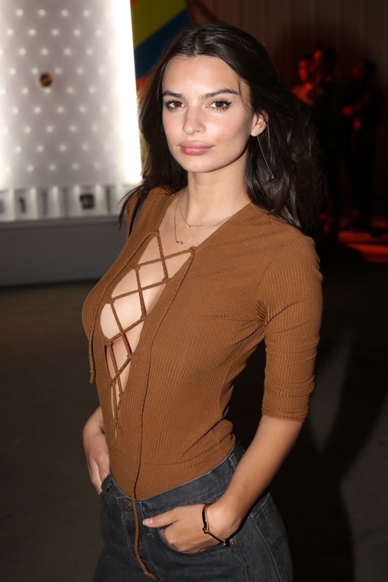 Fappening Emily Ratajkowski nude (69 foto and video), Topless, Is a cute, Twitter, cameltoe 2017