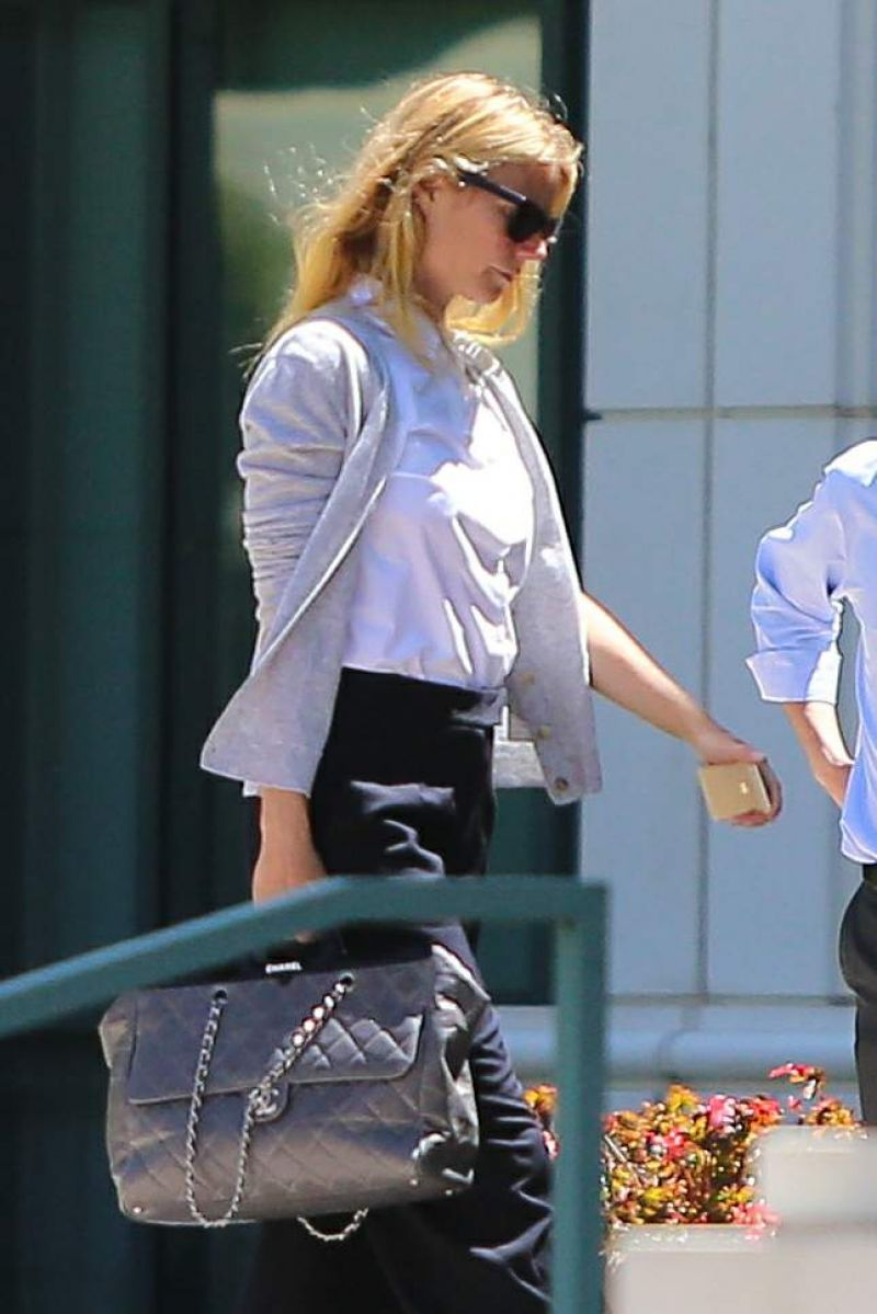 GWYMETH PALTROW Arrives at an Office Building in Beverly Hills