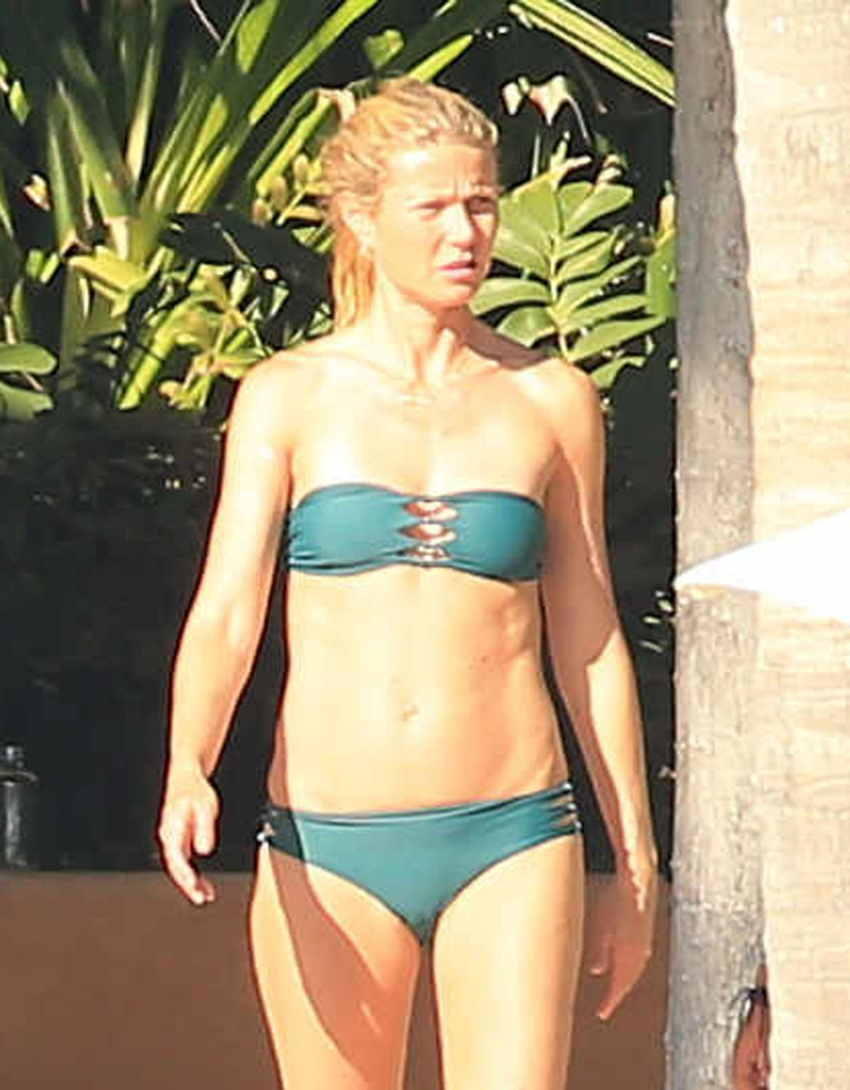 Gwyneth paltrow bikini hawaii