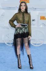 HAILEE STEINFELD at 2015 MTV Movie Awards in Los Angeles